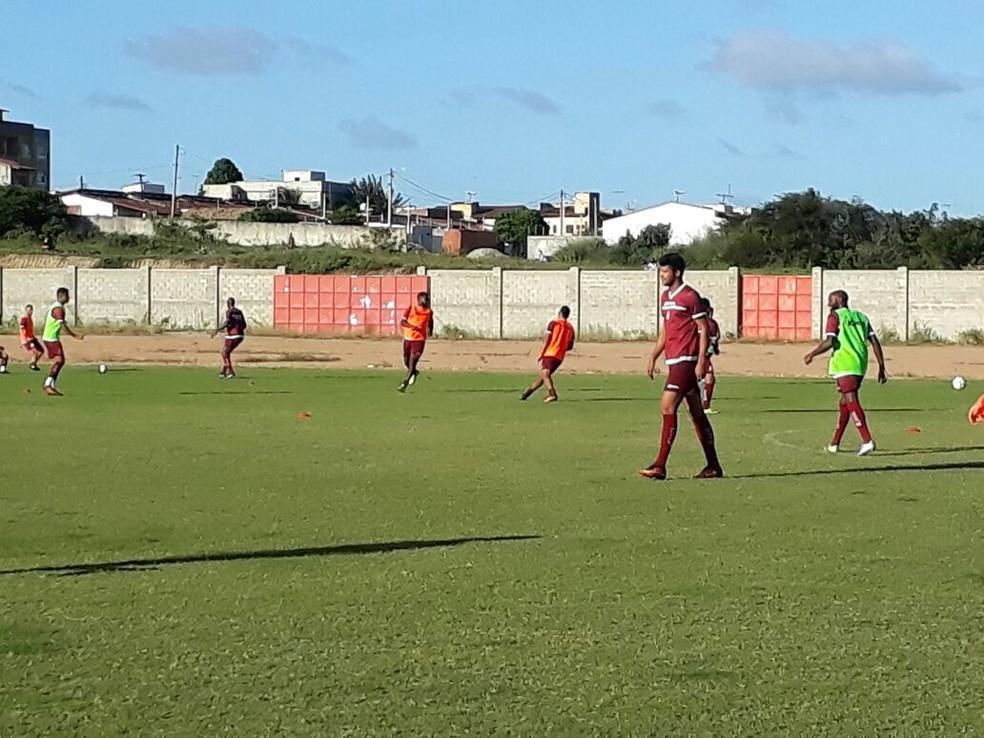 Kiros participa de treino na Arena América (Foto: Klênyo Galvão/Inter TV Cabugi)