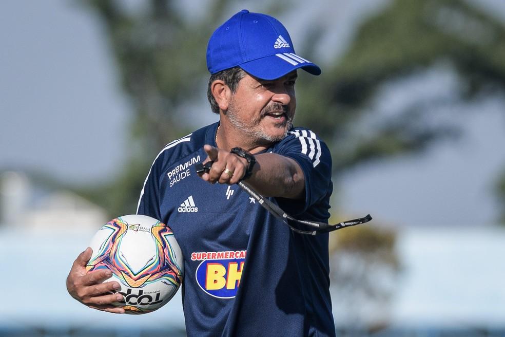 Em primeiro treino de Ney Franco no Cruzeiro, Maurício e Matheus Pereira  fazem trabalho interno   cruzeiro   ge