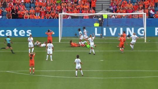 Nova Zelândia busca a 1ª vitória em Copas um ano após equiparar seleções masculina e feminina