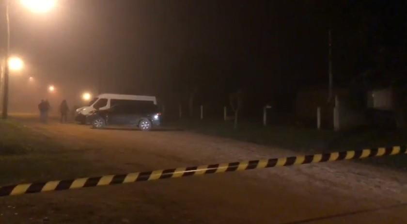 Homem preso após tiroteio com Polícia Federal em Cristal é encontrado morto   - Noticias