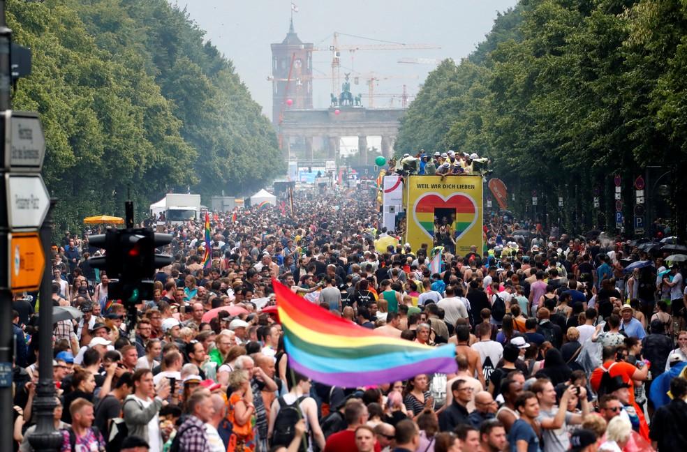 Parada do Orgulho Gay em Berlim, em 2017 (Foto: REUTERS/Fabrizio Bensch)