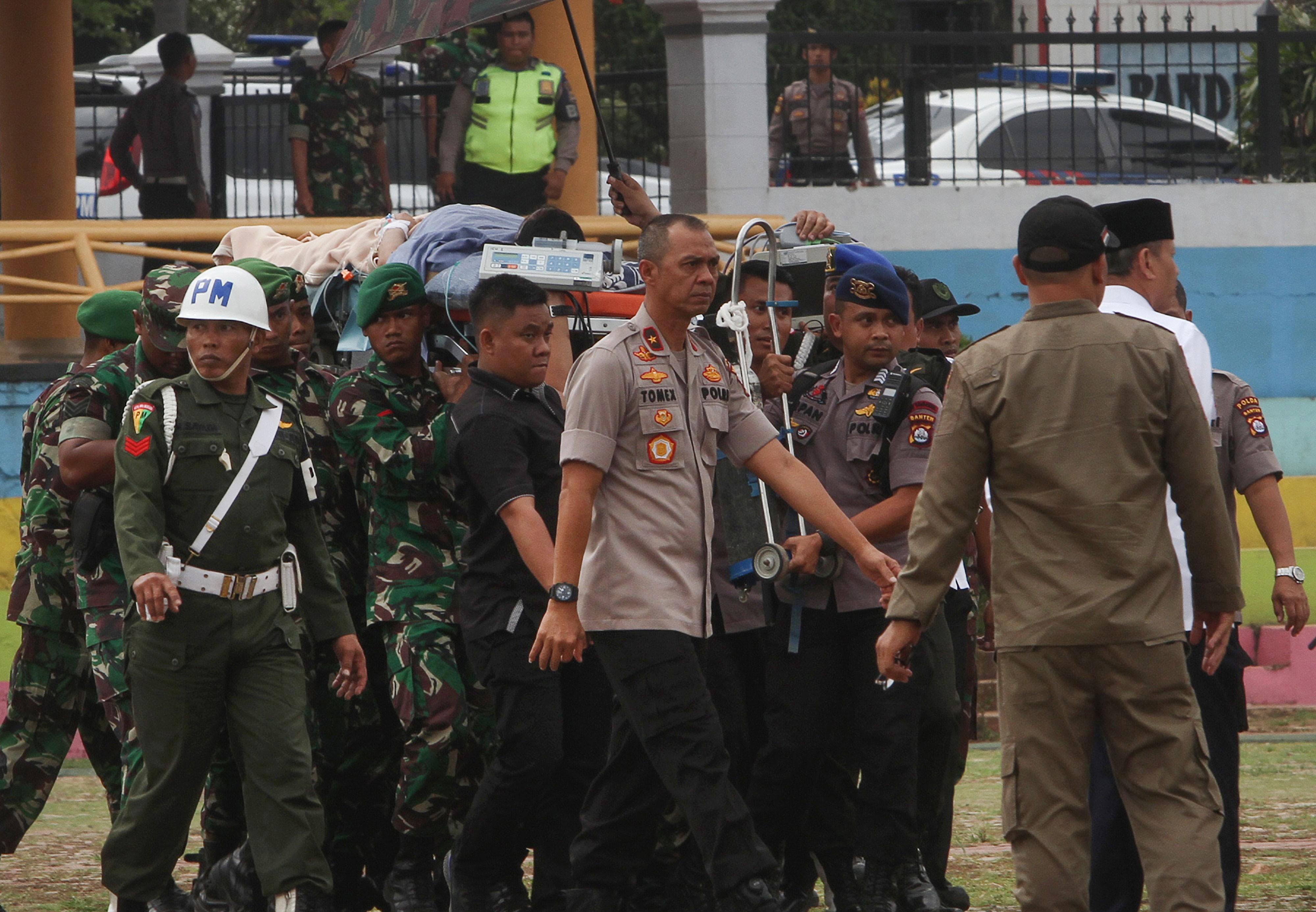 indonesia10   urandir   MUNDO   Ministro da segurança indonésio é esfaqueado