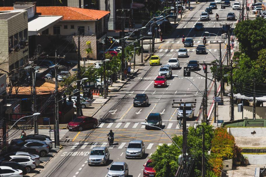 Av. Dom Luís, em Fortaleza, tem limite de velocidade reduzido para 50 km/h a partir desta quinta-feira