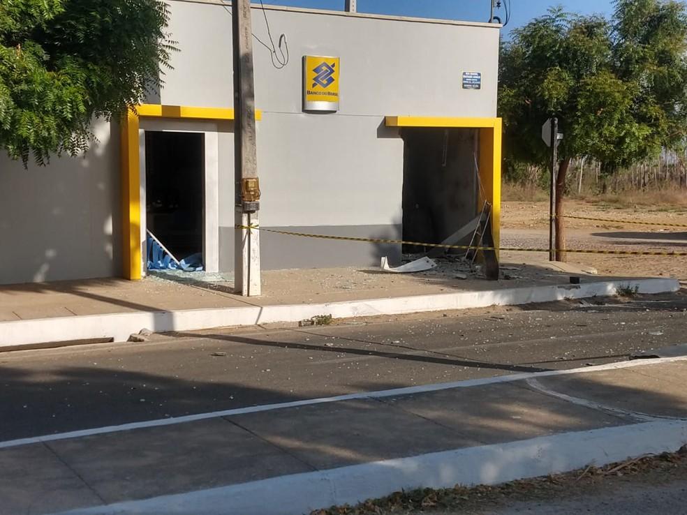 Posto bancário de Groaíras ficou totalmente destruído — Foto: Augusto Martins