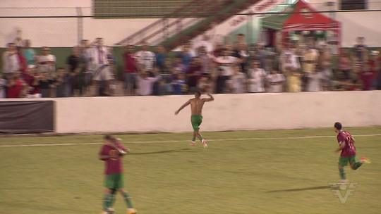 Carlos Alberto acerta com o Avaí e vive a expectativa de estrear no Brasileiro