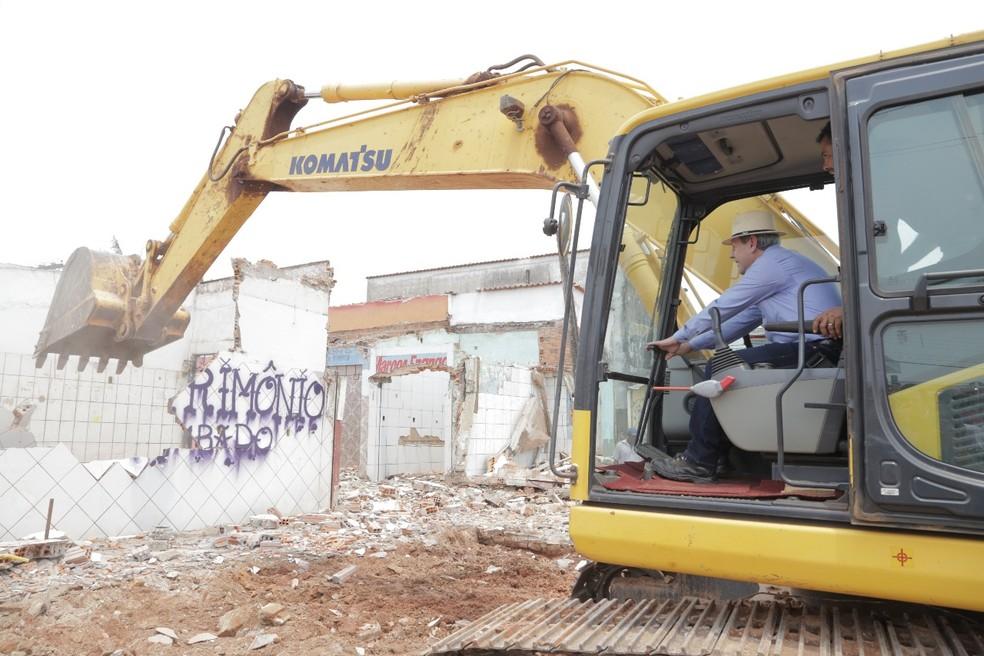 Demolição do primeiro quarteirão já foi iniciada (Foto: Divulgação/Prefeitura de Araguaína)