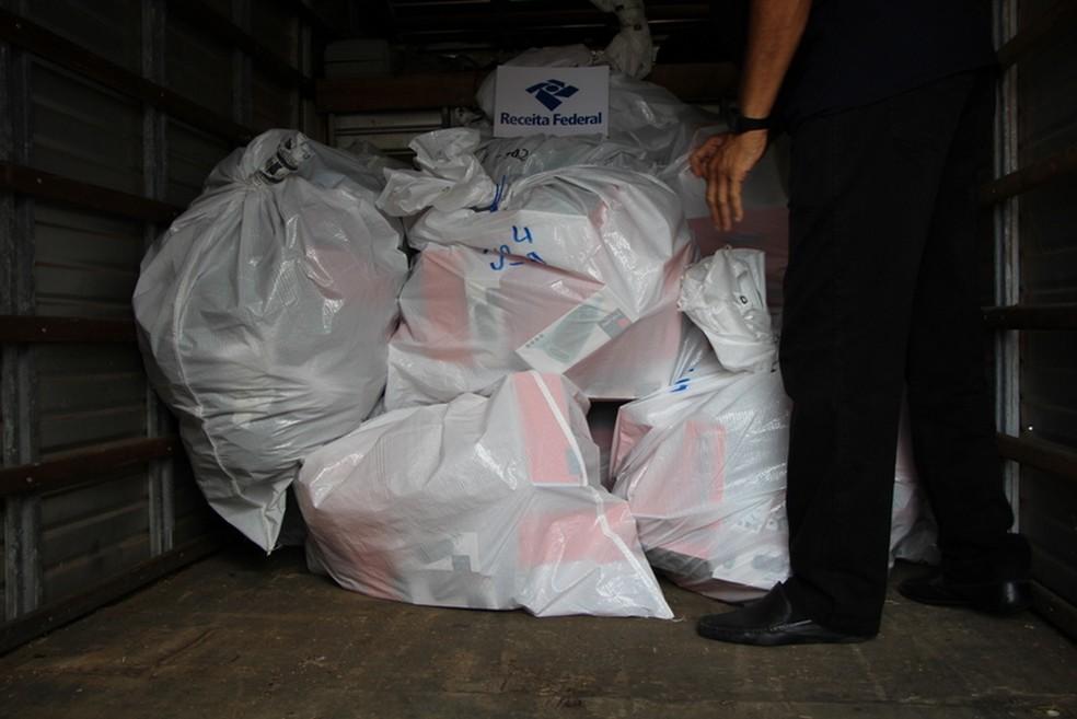 Material foi apreendido pela Receita Federal no bairro do Alecrim — Foto: Receita Federal
