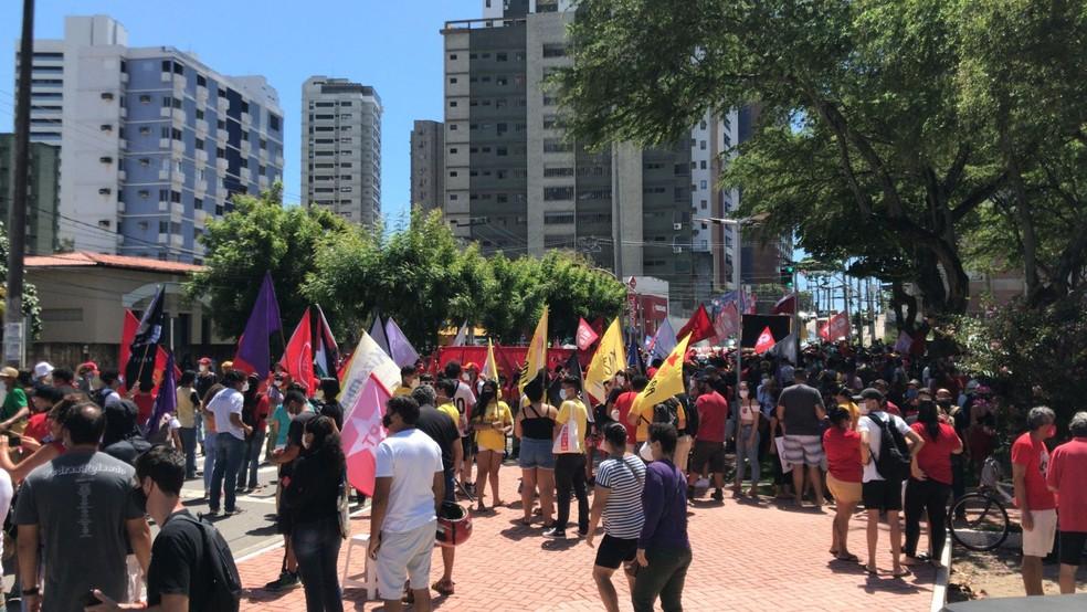 Natal, RN: Ato contra o presidente Jair Bolsonaro, na Praça das Flores — Foto: Geraldo Jerônimo/Inter TV Cabugi