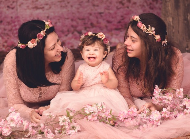 Maria de Angeli Tognolo com a mãe Aline e a irmã Manoela (Foto: Equipe Lidi Lopez)