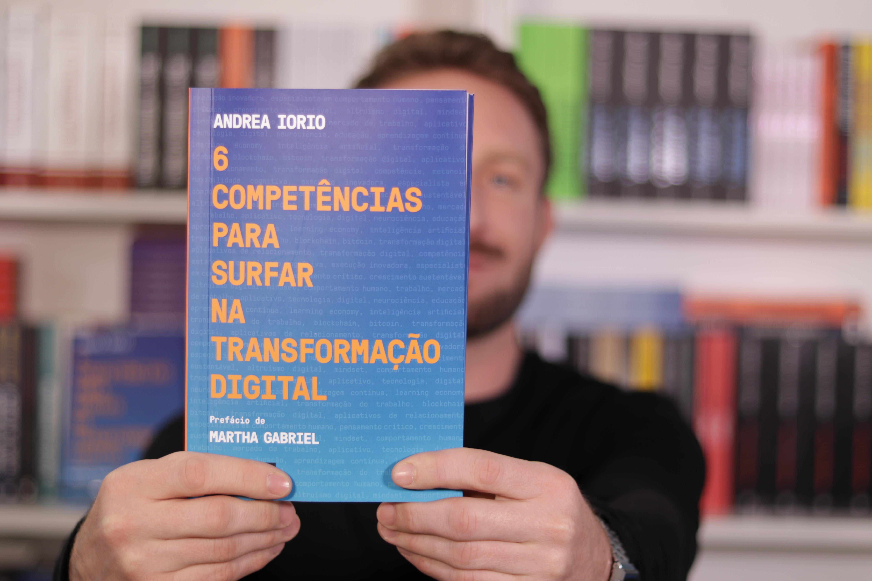 """Andrea Iorio, autor do livro """"6 competências para surfar na transformação digital (Foto: Divulgação)"""