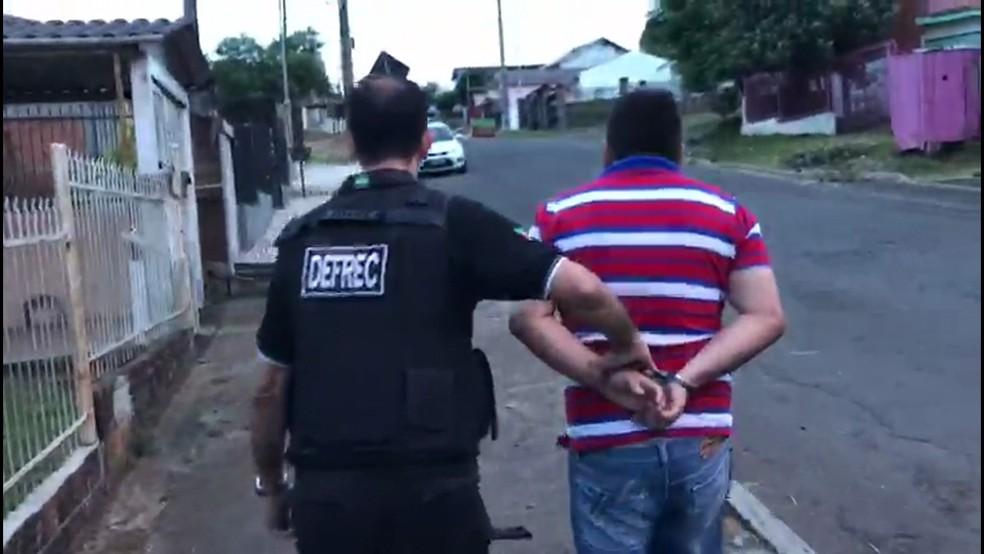 Operação Anjos da Lei em Porto Alegre — Foto: Reprodução/Globo News
