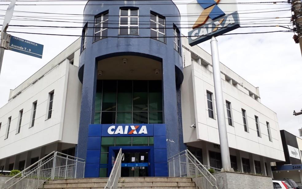 Agência da Caixa Econômica Federal em Goiânia, Goiás (Foto: Paula Resende/ G1)