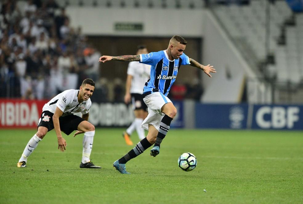 Luan não sentiu dores na coxa direita contra o Corinthians (Foto: Marcos Riboli/GloboEsporte.com)