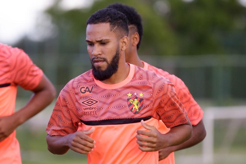 Everaldo em treino pelo Sport — Foto: Anderson Stevens / Sport Club do Recife