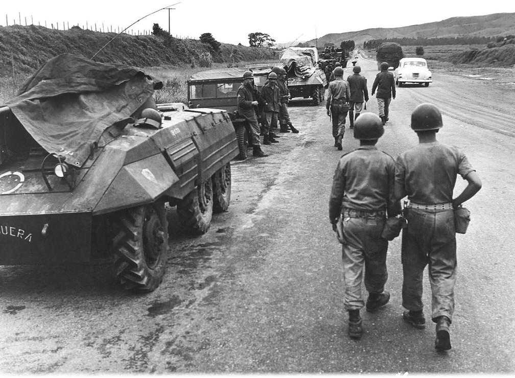 Movimentação de tropas militares dá largada ao Golpe em 31 de março de 1964 — Foto: Arquivo/Estadão Conteúdo