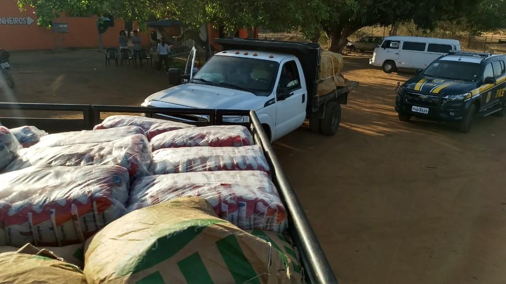 Caminhões com ajuda humanitária saem de Roraima em direção a Venezuela — Foto: Laudinei Sampaio/Rede Amazônica Roraima