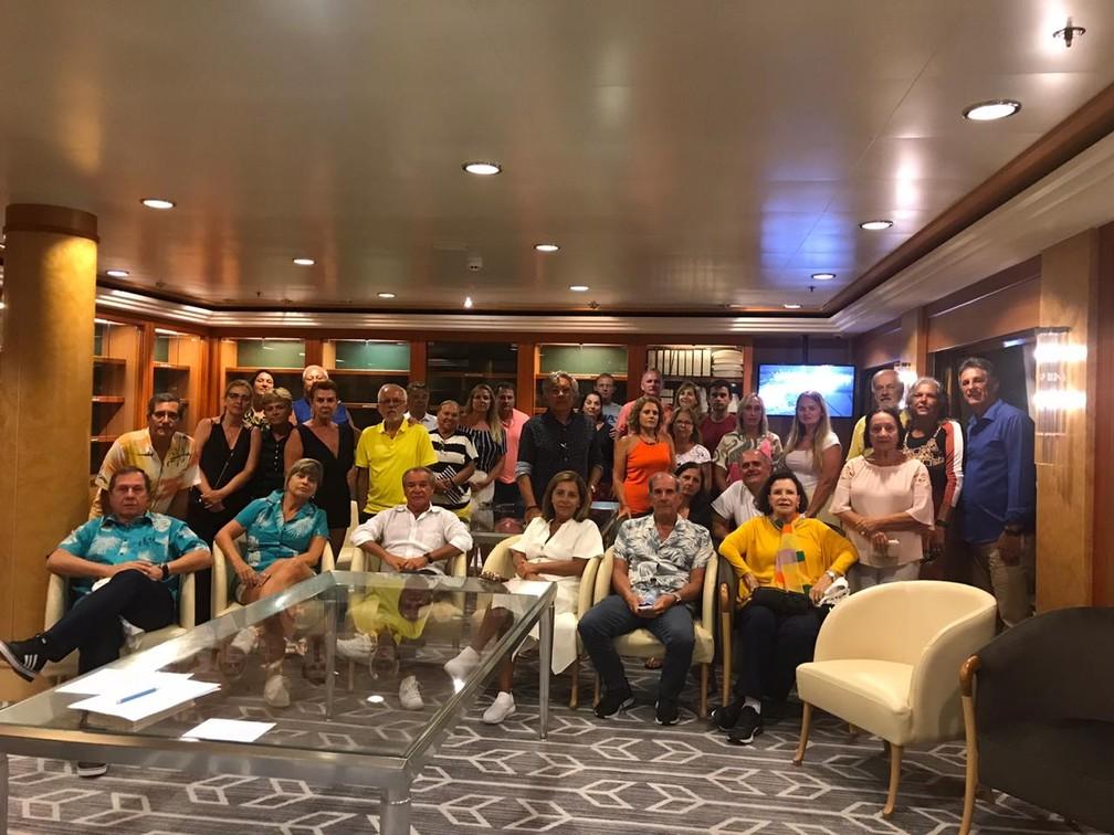 Brasileiros que estão no navio Norwegian Jewel aguardam solução de retorno ao Brasil após embarcação ser rejeitada em quatro países da Oceania — Foto: Reprodução/Whatsapp