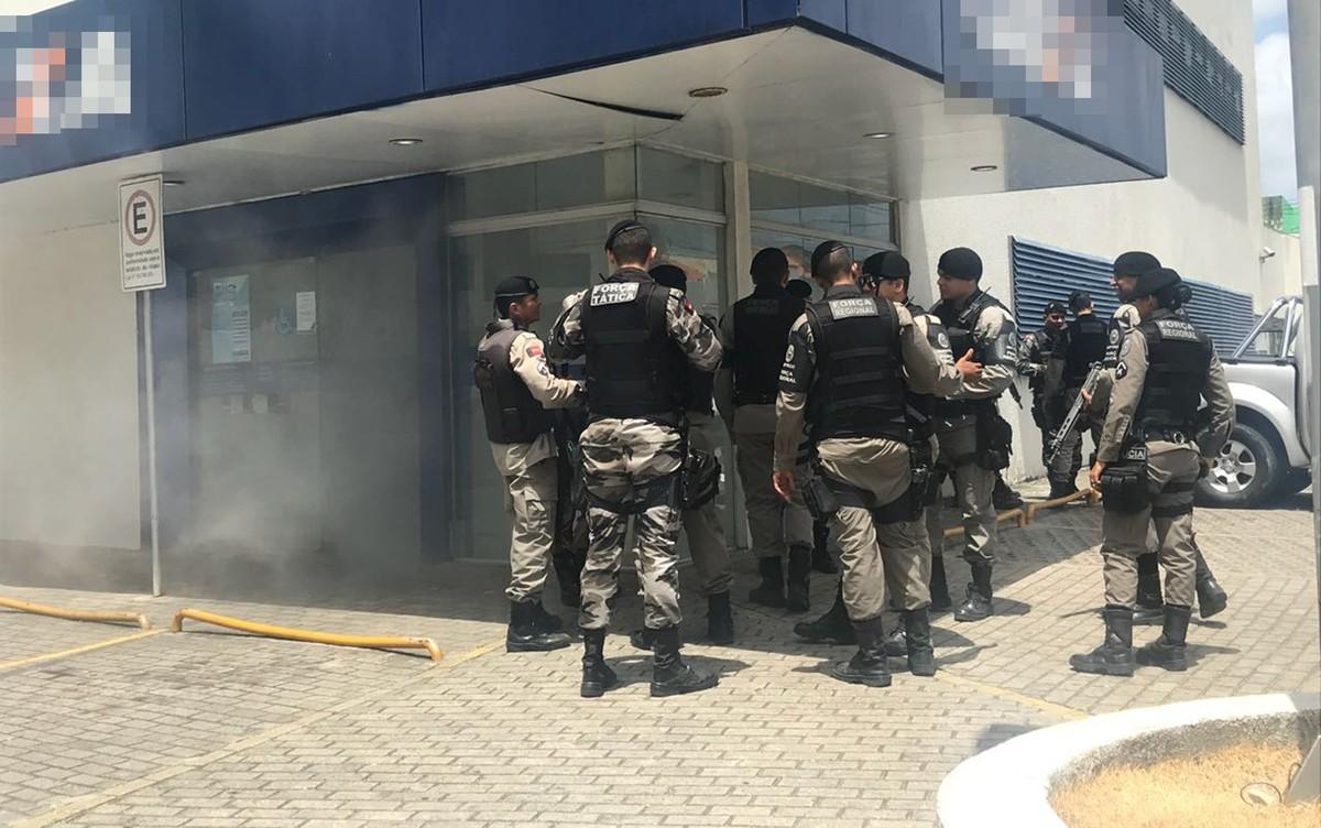 Alarme de banco é acionado e agência fica tomada por fumaça em João Pessoa