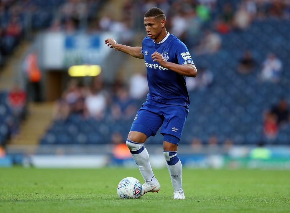 Richarlison volta a trabalhar com técnico português no Everton  (Foto: Reuters/John Clifton)