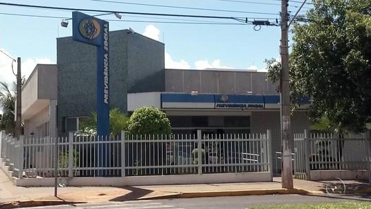 Falta de médicos peritos em unidades do INSS na região causa transtornos para moradores