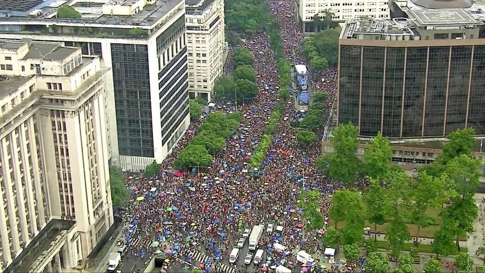 Rio tem quase 60 blocos autorizados neste sábado