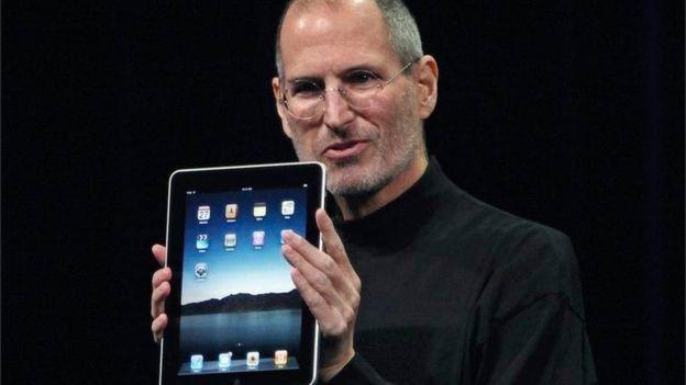 O cofundador da Apple também morreu por causa de um câncer de pâncreas neuroendócrino (Foto: Reuters)