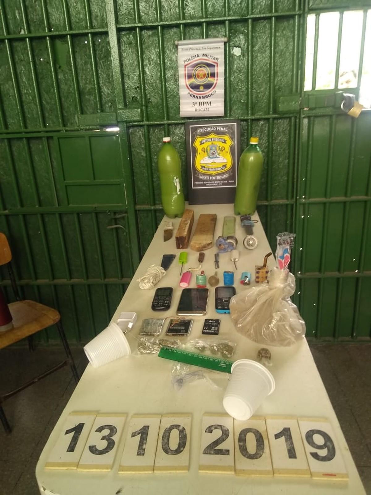 Polícia apreende drogas e armas artesanais durante revista no Presídio de Arcoverde - G1