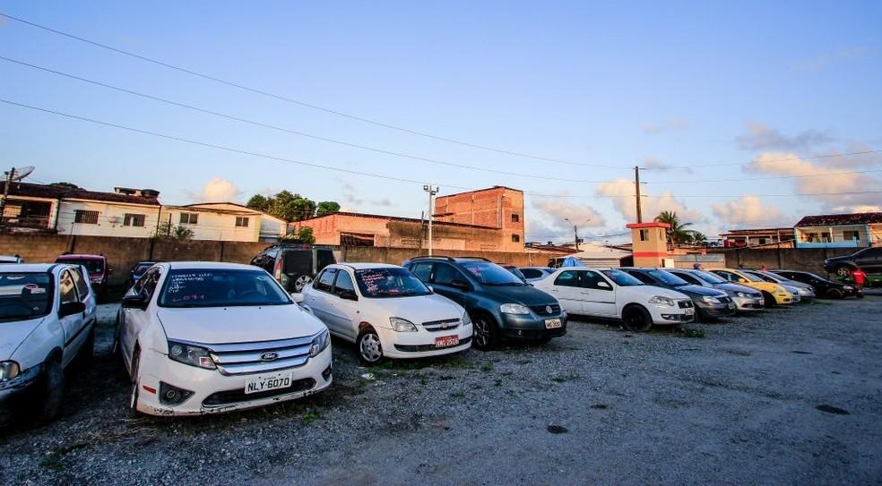 SMTT realiza leilão online com 151 veículos apreendidos em Maceió