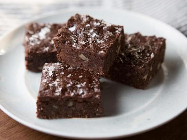 Brownie de pasta de amêndoas (Foto: Divulgação/Food Network)