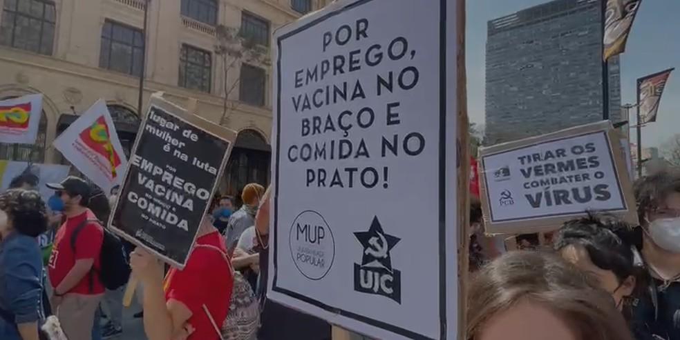 Manifestantes pedem por melhores condições de vida, emprego e renda  — Foto: Reprodução/TV Globo