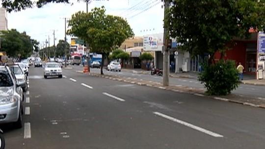 Pedestre morre atropelada por motocicleta na Avenida Manoel Goulart, em Presidente Prudente