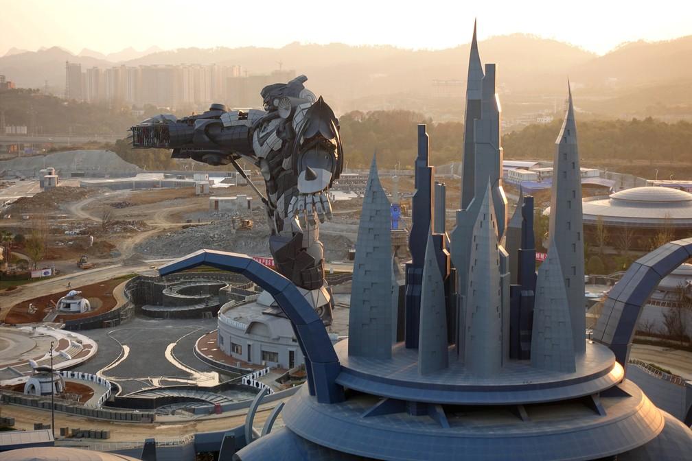 Visão de parque de realidade virtual, construído na pronvíncia de Guizhou, na China. (Foto: Joseph Campbell/Reuters)