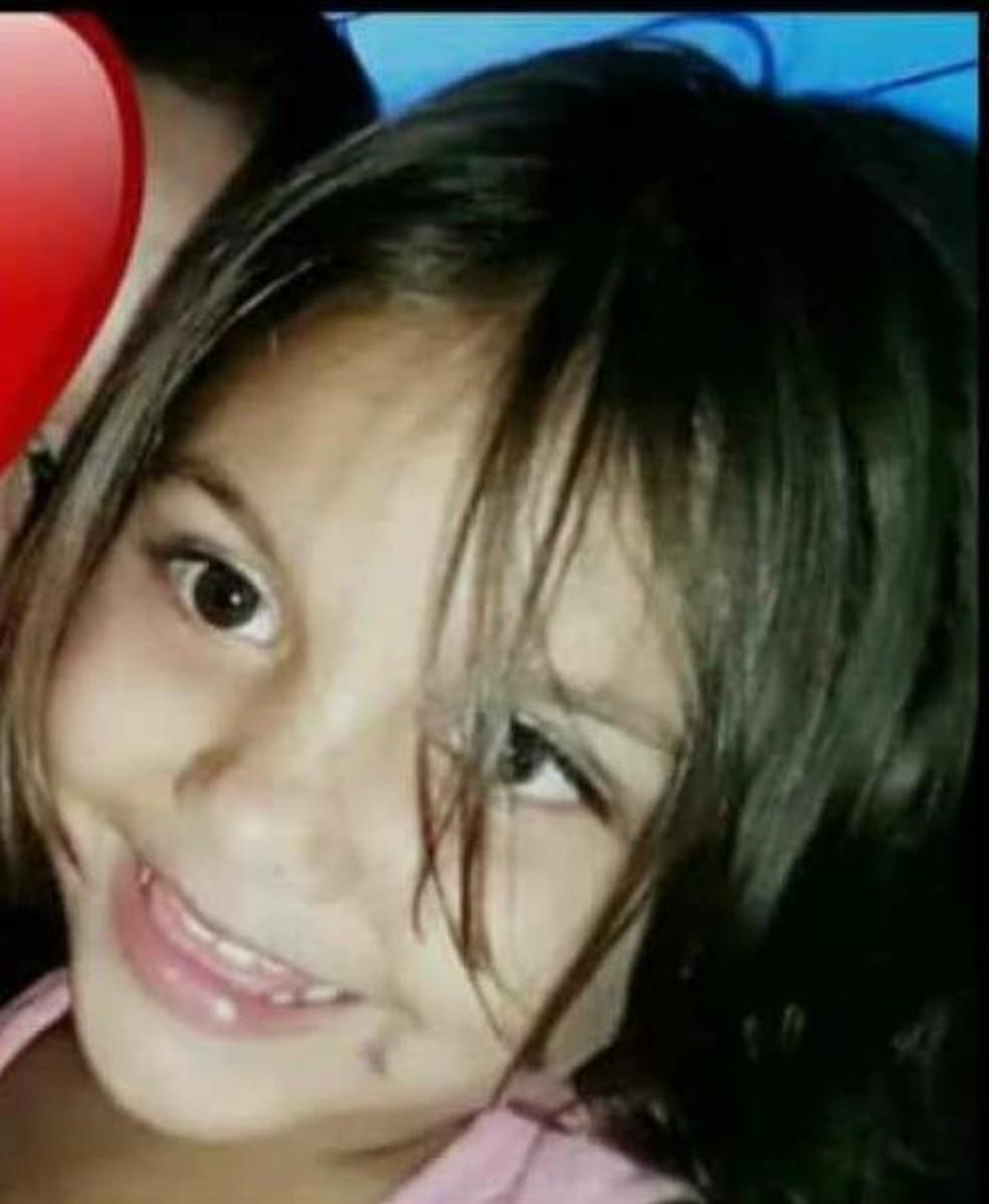 Rebeca Vitória Santos, de 4 anos, foi morta na noite de sexta-feira (21) no Conjunto Habitacional Vila Betel — Foto: Arquivo pessoal