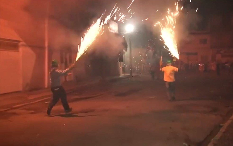 Câmara de Senhor do Bonfim aprova projeto que torna guerra de espadas patrimônio cultural (Foto: Reprodução/TV São Francisco)