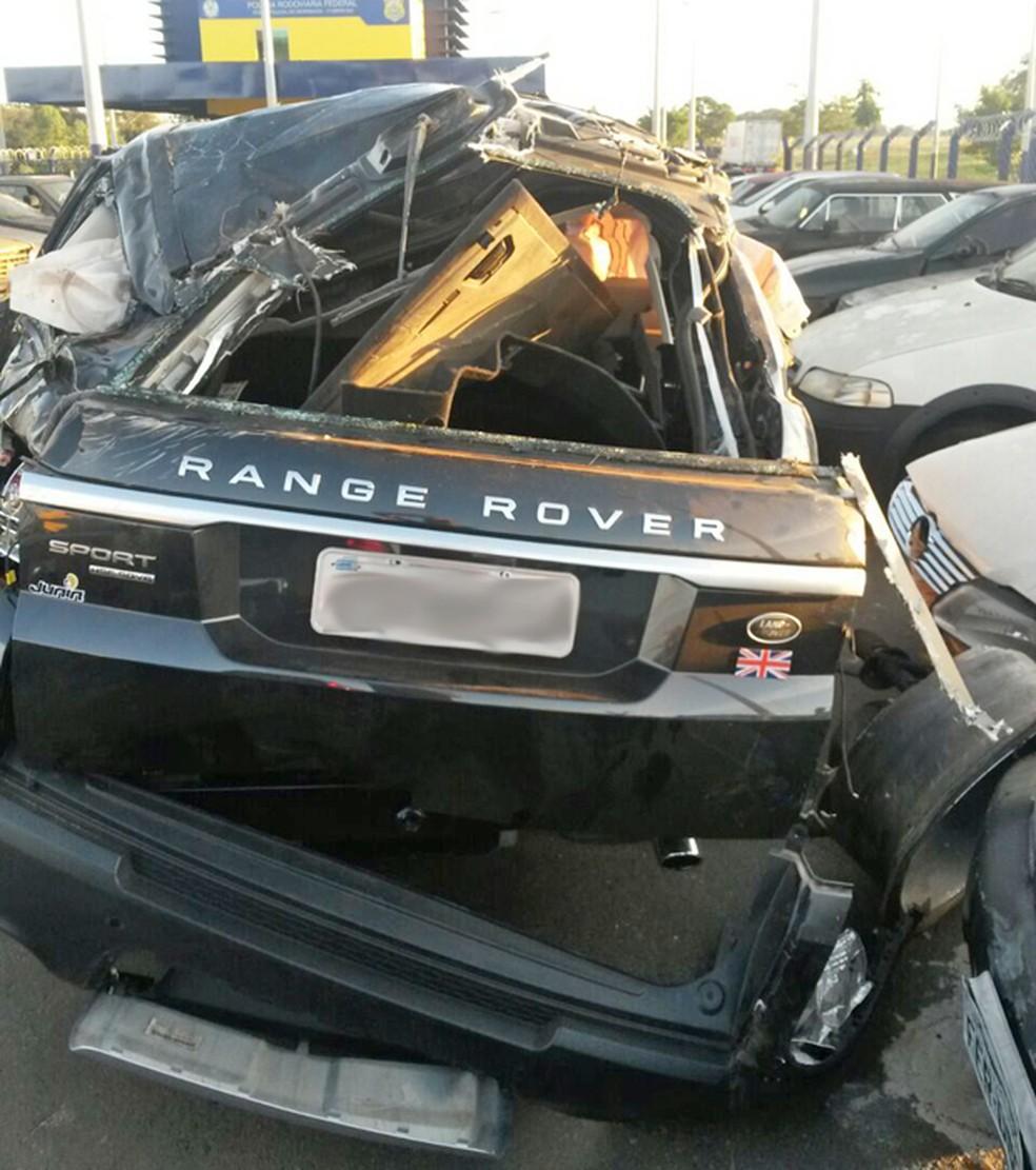 Range Rover Sport sofreu estragos em acidente que matou o cantor Cristiano Araújo (Foto: Renato Melo / Arquivo Pessoal)