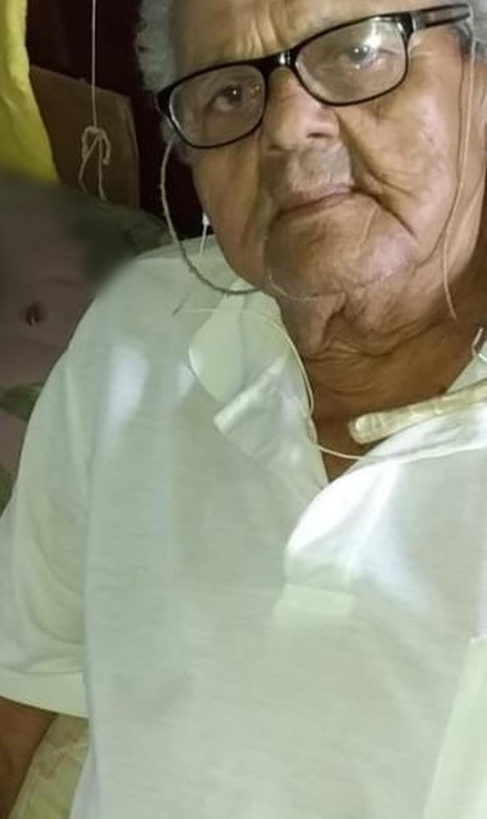 O corpo de Raymundo Batista de Oliveira, de 85 anos, foi enterrado no lugar de corpo de mulher que também teria morrido com suspeita da Covid-19 — Foto: Arquivo pessoal