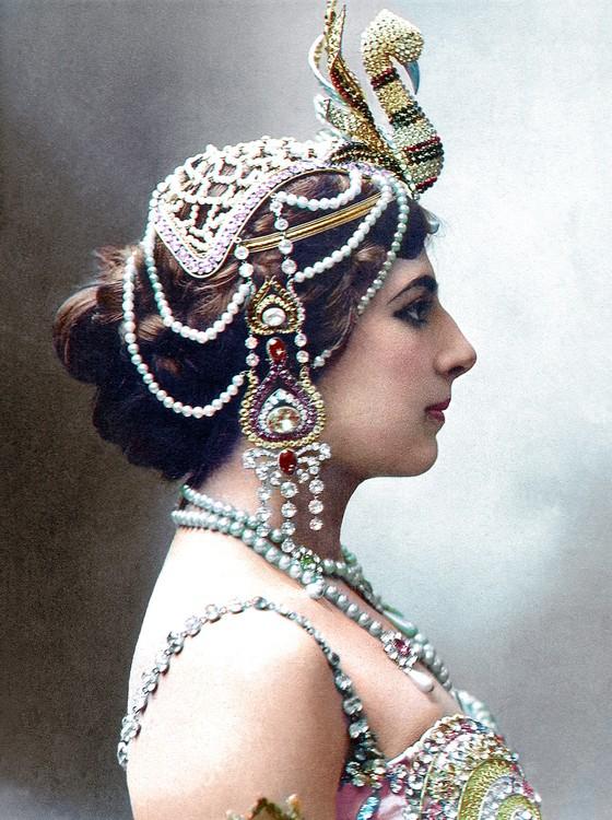 Mata Hari (Foto: COLORIZADAS POR MARINA AMARAL)