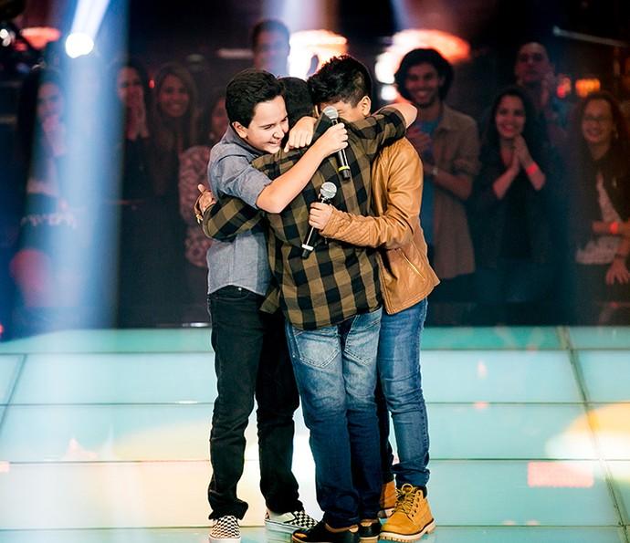 Amizade é tudo! Os três podem continuar na disputa com essa parceria toda (Foto: Isabella Pinheiro/Gshow)