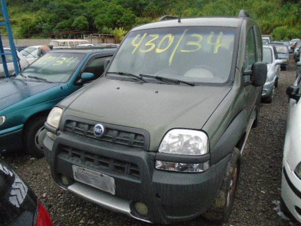 Detran-RJ faz leilão de mais de 700 veículos com lance a partir de R$  158,30   Rio de Janeiro   G1