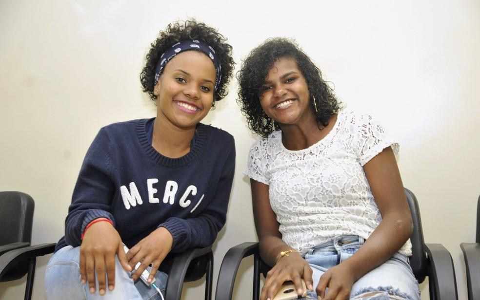Mariana e a irmã biológica Maiara (Foto: Aline Caetano/TJ-GO)
