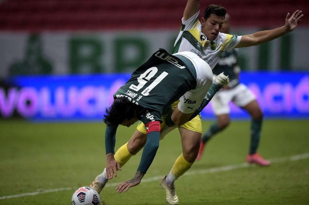 Gustavo Gómez perde pênalti na prorrogação de Palmeiras x Defensa y Justicia — Foto: Staff Images/Conmebol