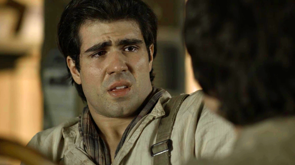 Luccino fica abalado após descobrir o que sente por Mário (Foto: TV Globo)