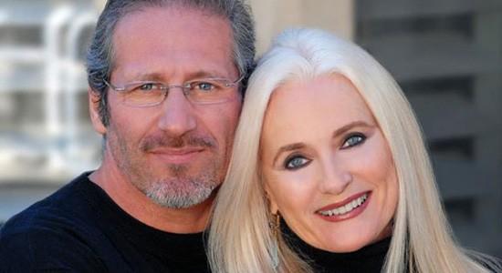 Celeste Yarnall e o marido  (Foto: Reprodução)