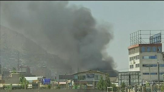 Talibã lança míssil no palácio presidencial durante pronunciamento do presidente