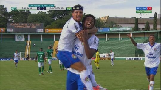 Que categoria! Bruno Mezenga escora de peito e faz belo gol pelo São Caetano