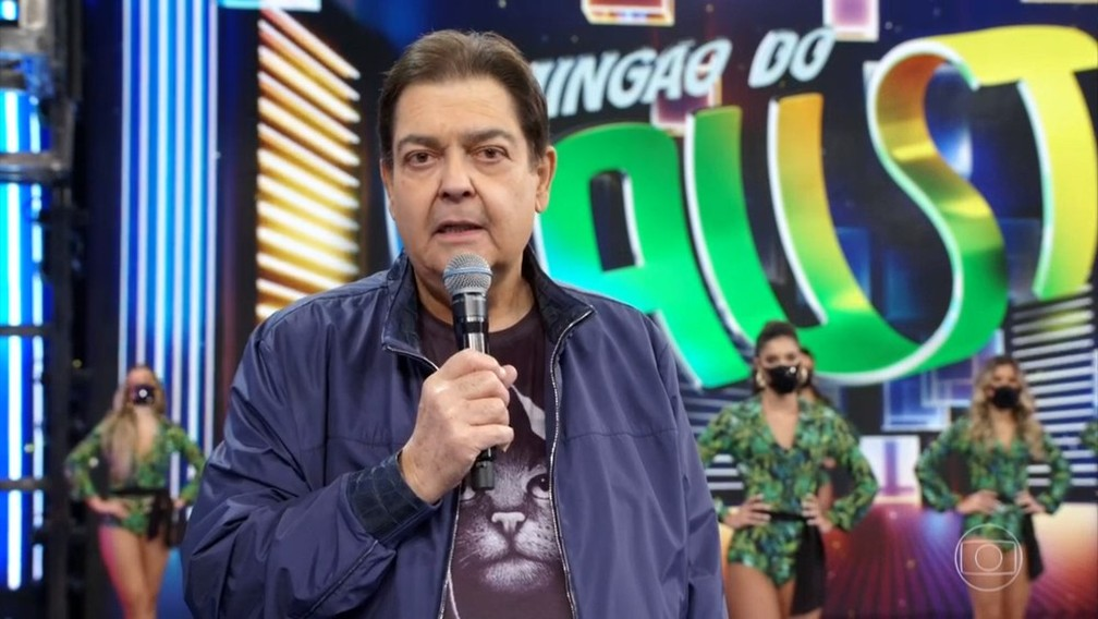 Fausto Silva apresentar o 'Domingão do Faustão' — Foto: Reprodução/TV Globo
