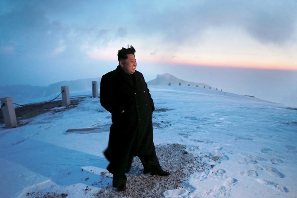 Kim Jong-un no topo do monte Paektu (Foto: Reuters)
