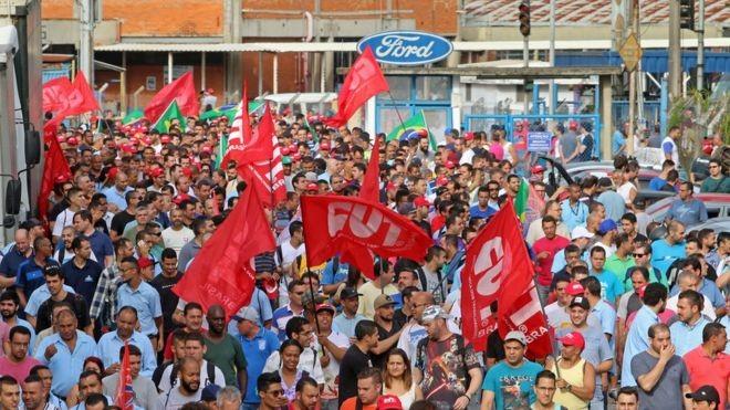 Trabalhadores da Ford iniciaram uma paralisação depois do anúncio de fechamento da fábrica de São Bernardo do Campo (Foto: ADONIS GUERRA/SMABC/DIVULGAÇÃO)