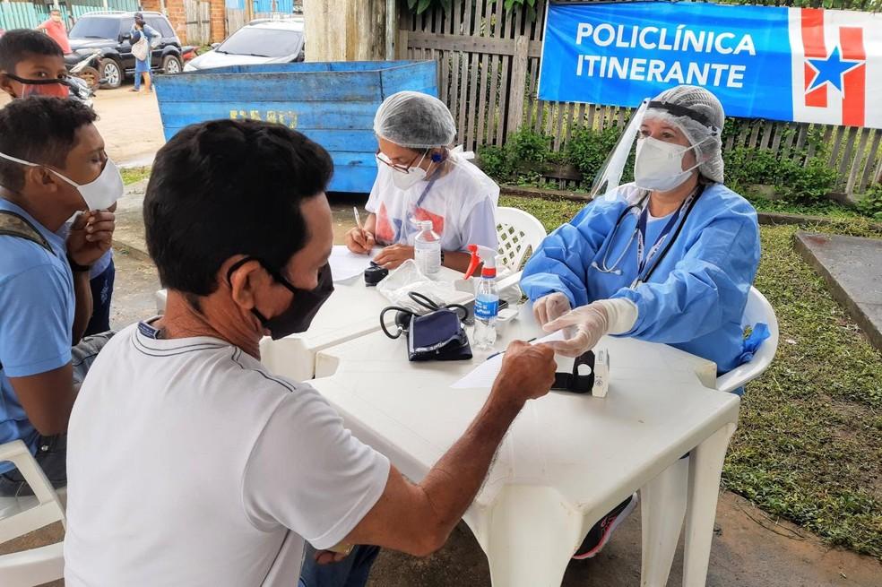 Pessoas verificam sinais vitais e fazem teste para Covid-19 em Placas — Foto: Agência Pará/Divulgação