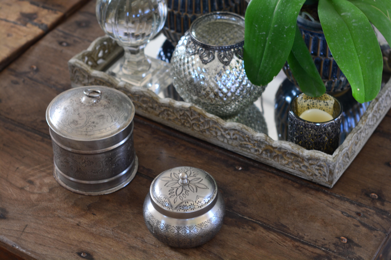 Pequenos potes, da Camicado, exploram a beleza do prateado  (Foto: Divulgação)